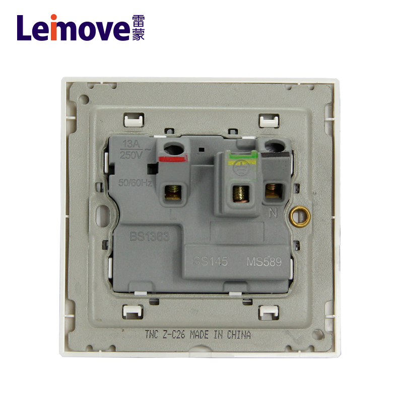 13A square foot socket with switch and light (Z)